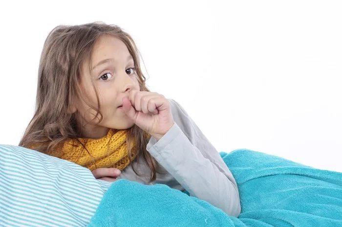 У ребенка приступообразный кашель